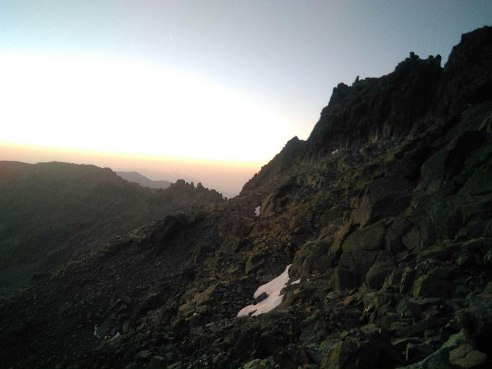 Ya casi es de día en la Sierra de Gredos