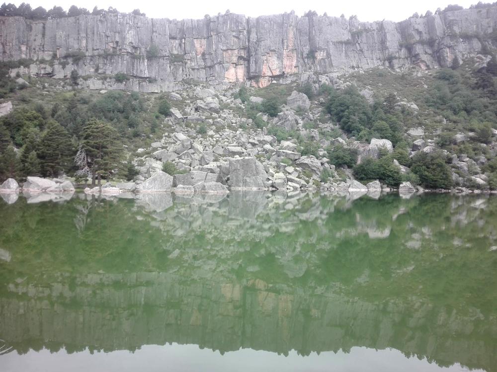El reflejo de la Laguna Negra