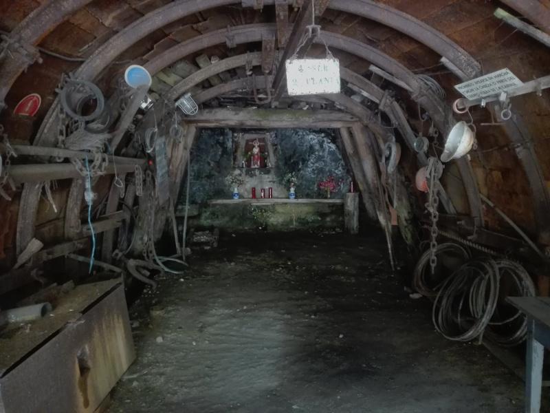 Boca de la mina de Ciñera