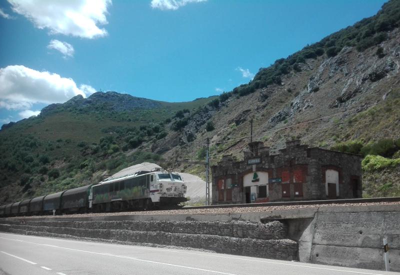 Estación de tren de Ciñera