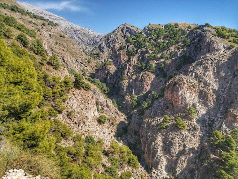 Sendero Canillas de Aceituno – El Saltillo (Sierra Tejeda, Málaga)